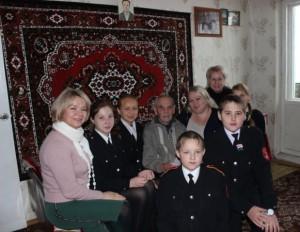 Кадеты 6 «а» класса МБОУ «СОШ № 6» поздравили ветерана Великой Отечественной войны Чугунова Михаила Сергеевича