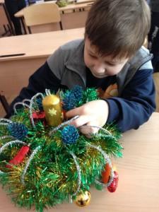 В МБОУ «СОШ №6» продолжает свою работу «Мастерская Деда Мороза»