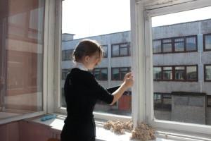 Утепление окон в школе