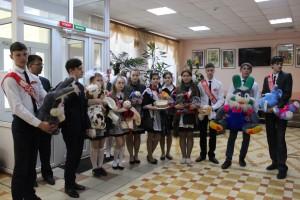 Выпускники-волонтёры школы №6  попрощались с детством