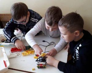 Первоклассники участники фестиваля технического творчества «Новое поколение»