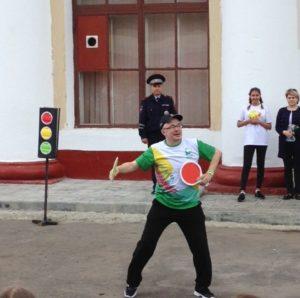 Отдыхающие дети стали активными участниками городского театрализованного представления  по правилам дорожного движения «Веселый автобус»