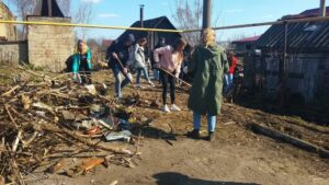 В МБОУ «СОШ №6» был проведен экологический субботник «Мой чистый школьный двор»
