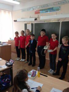 Обучающиеся 4 «А» класса МБОУ «СОШ №6» приняли участие во  Всероссийской акции «Оберегая сердца», приуроченной к Всемирному дню сердца