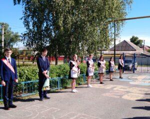 Выпускникам школы №6  были вручены аттестаты